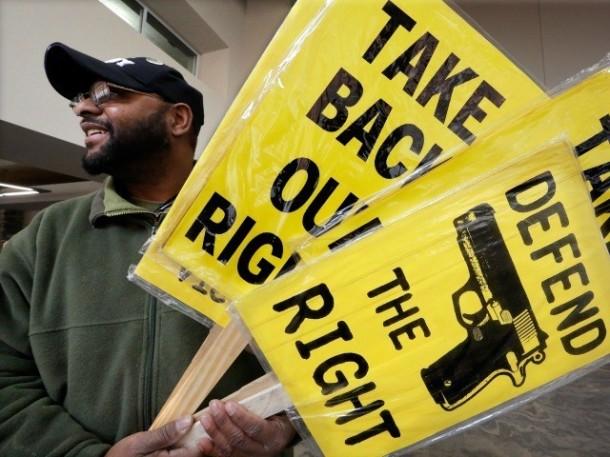 African-American-man-at-pro-gun-rally-AP-640x480